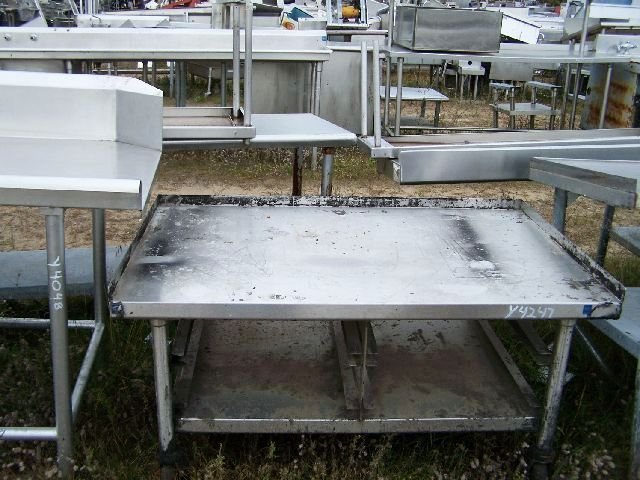 STAINLESS STEEL EQUIPMENT STAND PAN SLIDES CASTERS STAINLESS STE