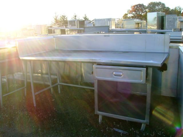 STAINLESS STEEL TABLE WITH SIDE AND BACK SPLASH 1 UNDERSHELF AND